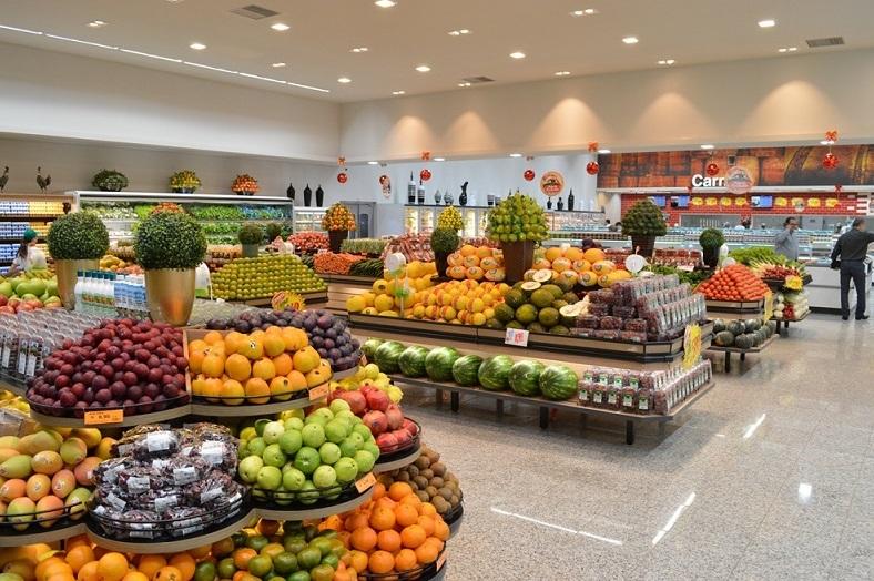 cdde65aa4 Com 7,2 mil metros quadrados de área construída, essa loja é a maior da  rede na cidade e conta com mais de 13 mil produtos, distribuídos nas seções  de ...