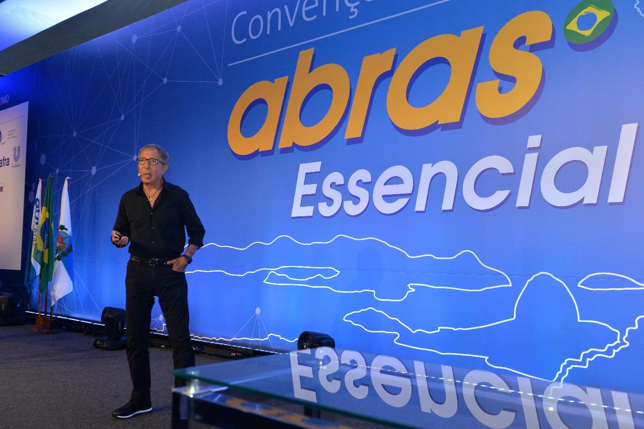 Abilio Diniz abre Convenção ABRAS e fala sobre tendências do varejo... ce26bf100e5cf
