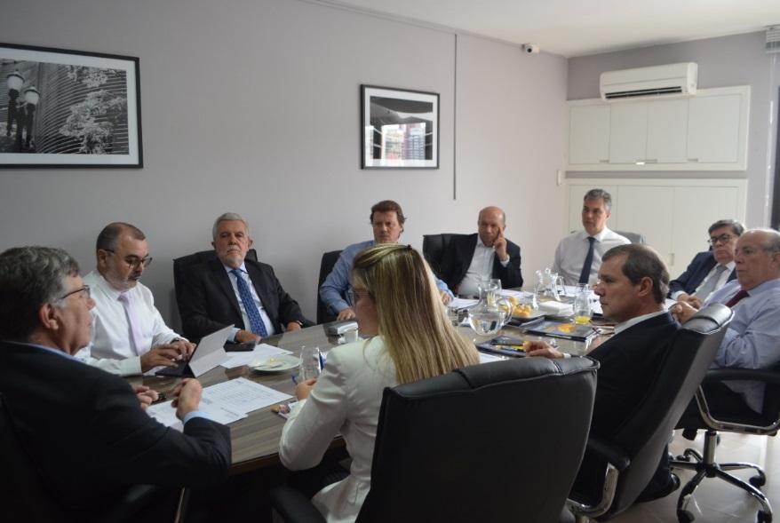 Os presidentes das instituições que compõem a União Nacional de Entidades do  Comércio e Serviços (UNECS) estão reunidos na manhã desta quarta-feira  (17) 580ab83e11626