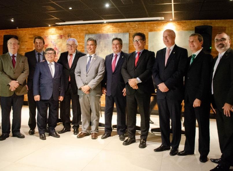 Executivos da União Nacional de Entidades do Comércio e Serviços (Unecs) se  reuniram na tarde de ontem (17) com políticos da Frente Parlamentar Mista  em ... 4c4d90e81fb22