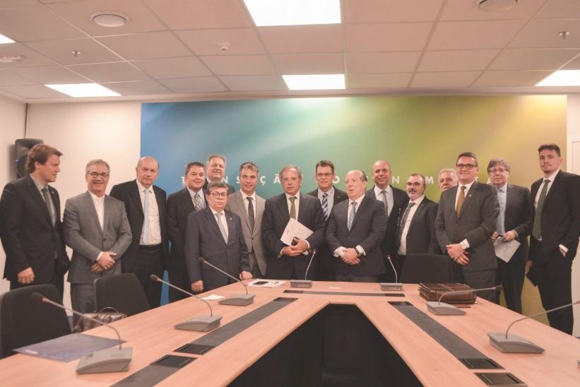 Os integrantes da União Nacional de Entidades do Comércio e Serviços  (Unecs) estiveram nesta quarta-feira (21) no Centro Cultural Banco do  Brasil (CCBB) 661d2babd50dd