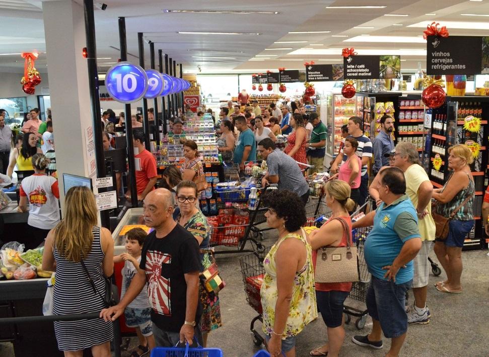 8a9b3674c Jaú Serve comemora a inauguração de sua 33ª loja