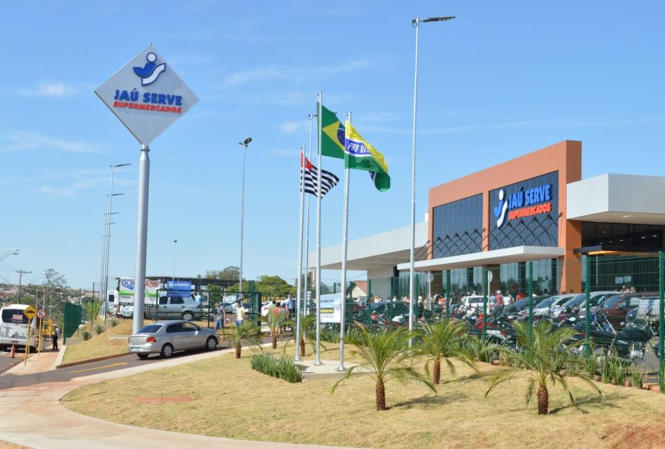 4037e8940 Com 7,2 mil metros quadrados de área construída, essa loja é a maior da  rede na cidade e conta com mais de 13 mil produtos, distribuídos nas seções  de ...