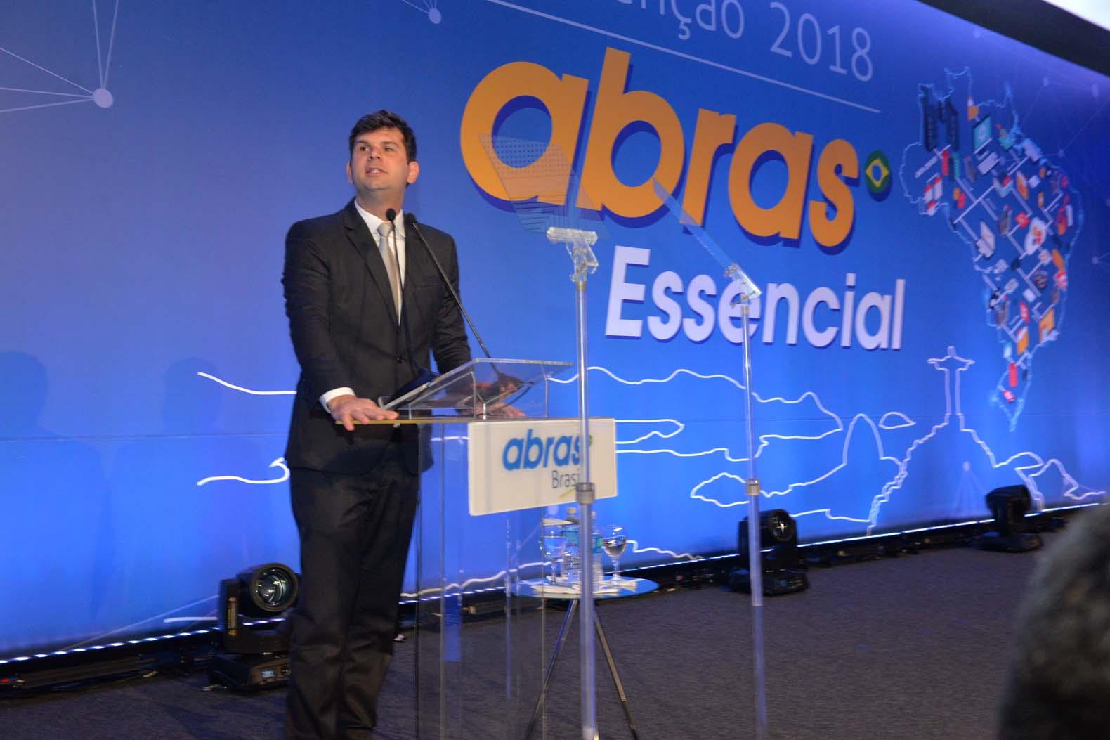 Convenção ABRAS reúne empresários e políticos em cerimônia de abertura no RJ 629221d060ce8