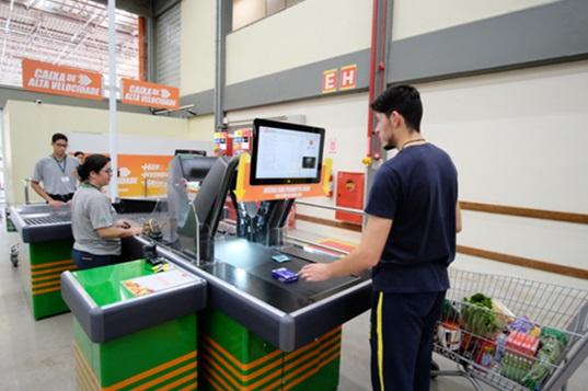 4a8c33a6b O Atacadão inicia no Brasil a operação de um novo sistema de checkout  automático inédito no setor atacadista nacional. Com tecnologia de última  geração