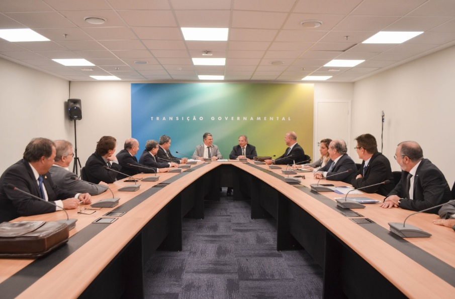 Os integrantes da União Nacional de Entidades do Comércio e Serviços  (Unecs) estiveram nesta quarta-feira (21) no Centro Cultural Banco do Brasil  (CCBB) 3d903880420