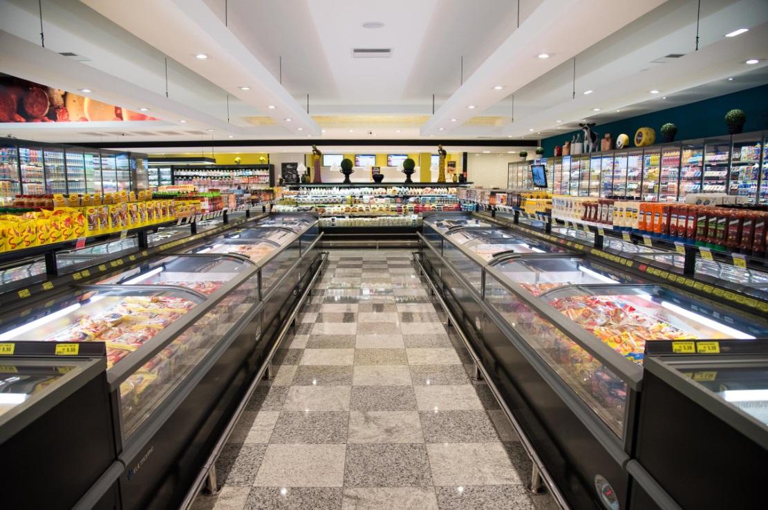 5bcfa62682 A rede Confiança Supermercados inaugurou, no último dia 23, a sua 12.ª  unidade em Bauru (SP), o Confiança Centro. Uma loja de 6,5 mil metros  quadrados de ...